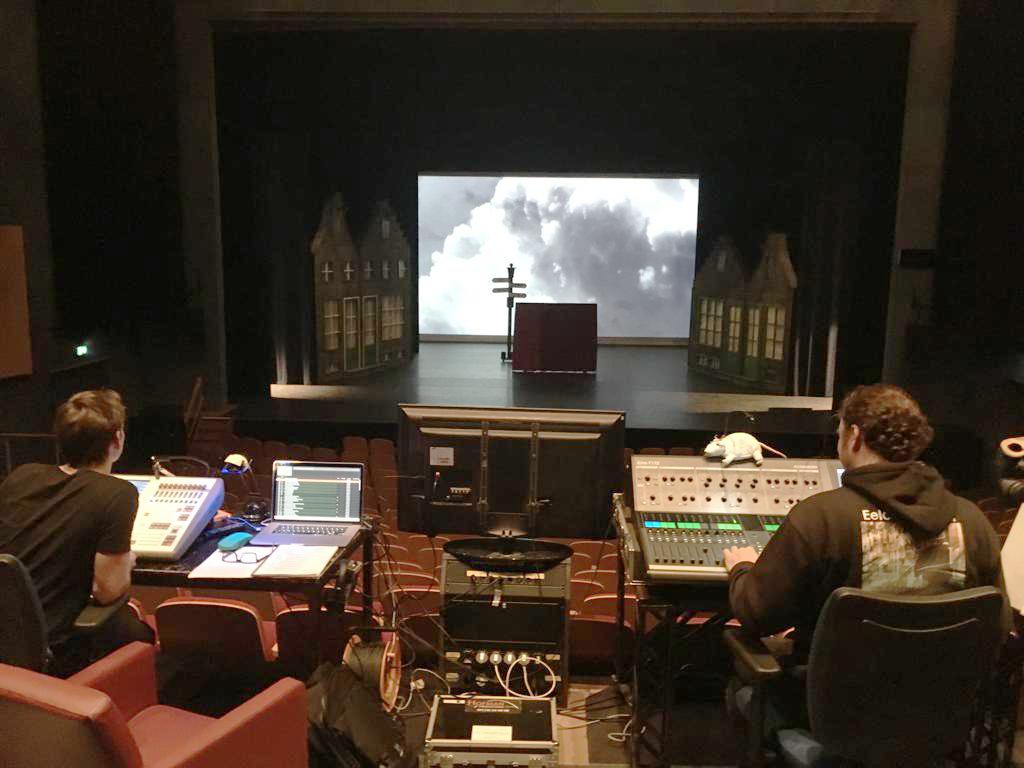 http://hofmanproductions.com/wp-content/uploads/2019/03/Ciske-de-Rat-licht-en-geluid-Muziektheater-Zeeland.jpg